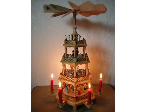 Christmas Decoration With Candles That Spins | Christmas Ideas